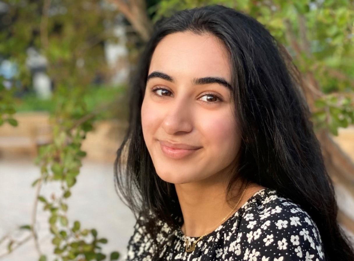 Hana Khan '22